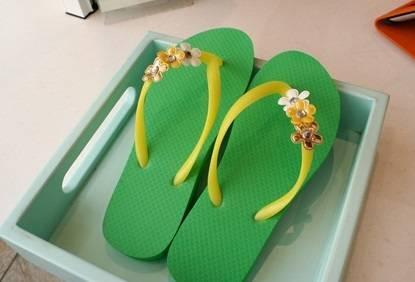 ハワイで履き換えよう!ハワイのおすすめビーチサンダルショップ!のサムネイル画像