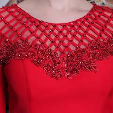 ロングドレスの赤に注目!似合う着こなしとヘアスタイルまとめのサムネイル画像