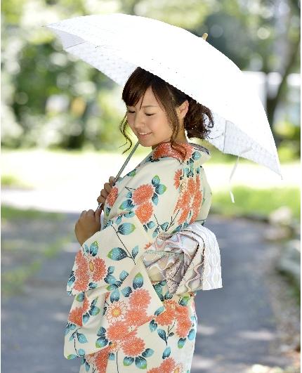 【40代からの浴衣】大人にふさわしく美しい浴衣の選び方とは?のサムネイル画像