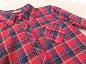 赤いシャツを使ったコーデ例満載! 赤いシャツで秋気分一番乗り のサムネイル画像