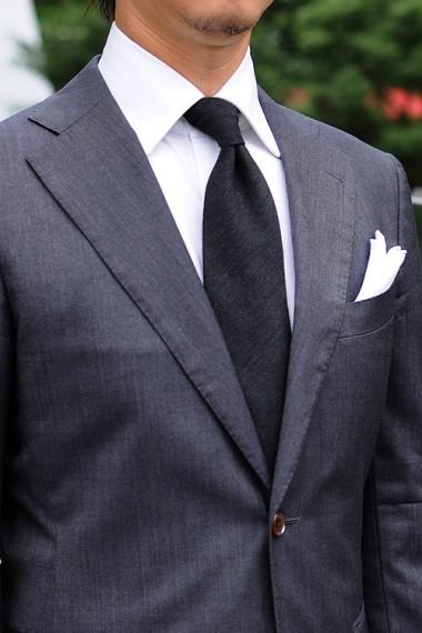 周りと差をつける!結婚式にも使えるおしゃれなネクタイの結び方のサムネイル画像