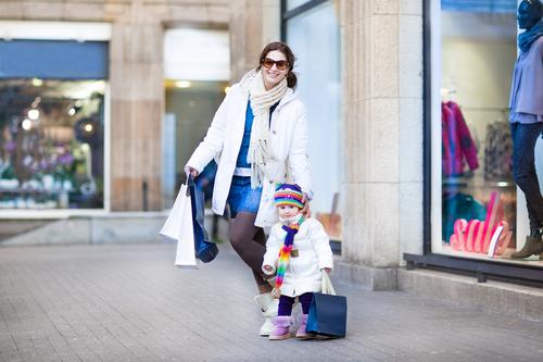 ママだってオシャレしたい!冬のオシャレなママコーデ着こなし術のサムネイル画像