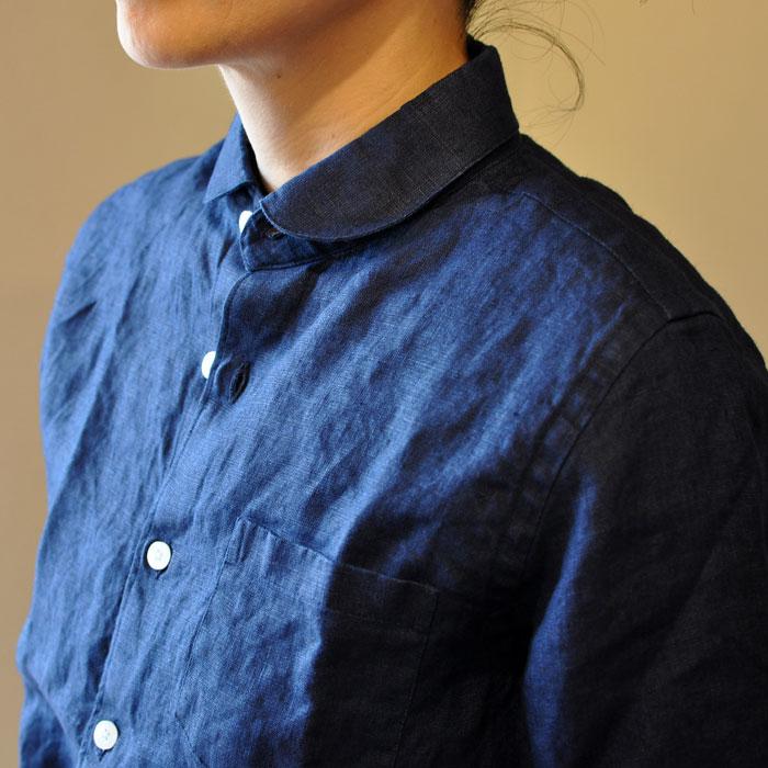 着回しがきくカラー「紺」ONとOFFで使い分ける紺シャツのアイデア集のサムネイル画像