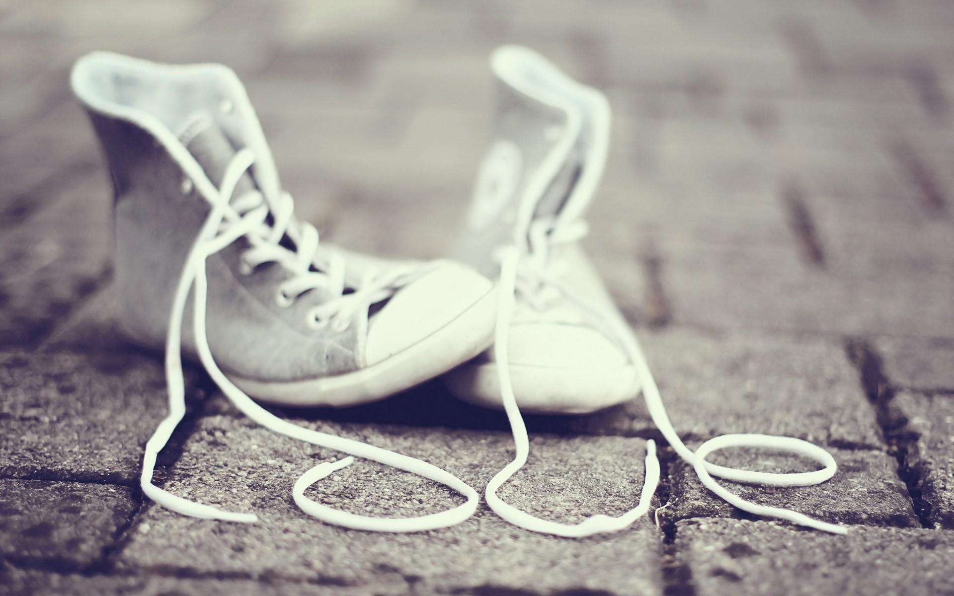 スニーカーの靴ひもは結ばないのが当たり前!?便利すぎる靴ひも登場のサムネイル画像