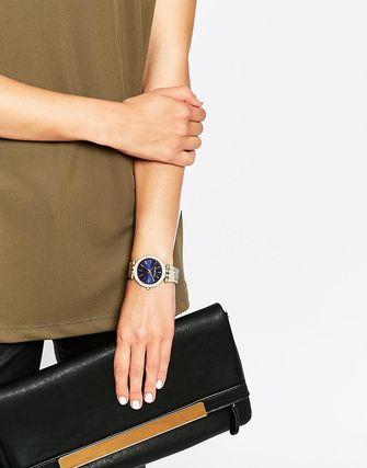 オシャレ女子必見!ブルーの腕時計が上品で可愛いと話題!?のサムネイル画像
