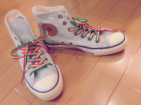大好きなスニーカーの靴紐をチェンジ!さらに可愛い足元にしようのサムネイル画像