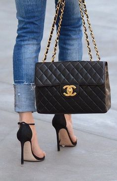大人女子の憧れ♡シャネルチェーンバッグが今一番欲しい!!のサムネイル画像