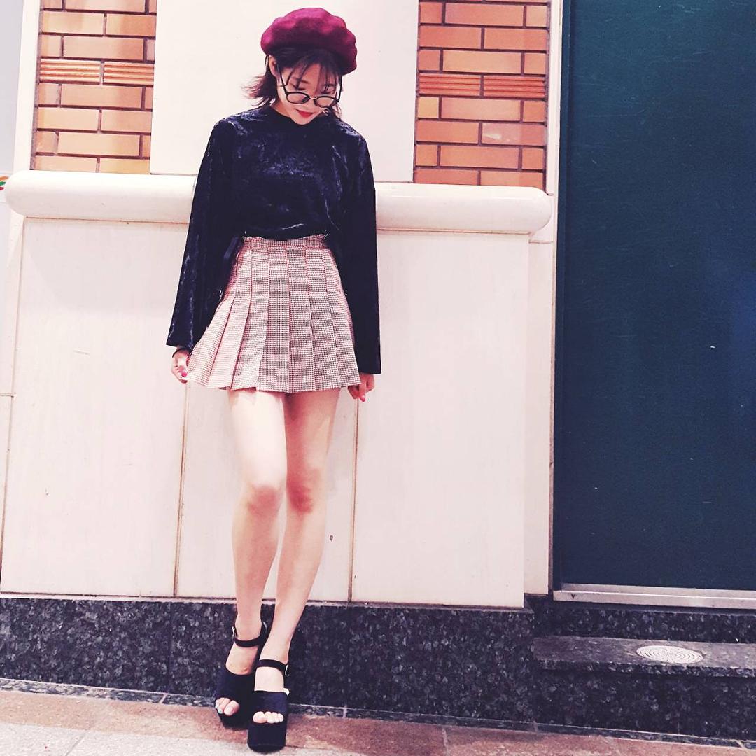 モテの条件?!韓国女子の【ミニスカート】コーデが可愛い過ぎる♡のサムネイル画像