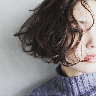 【2018最新】ショートヘア女性のテイスト別コーディネート特集◎のサムネイル画像