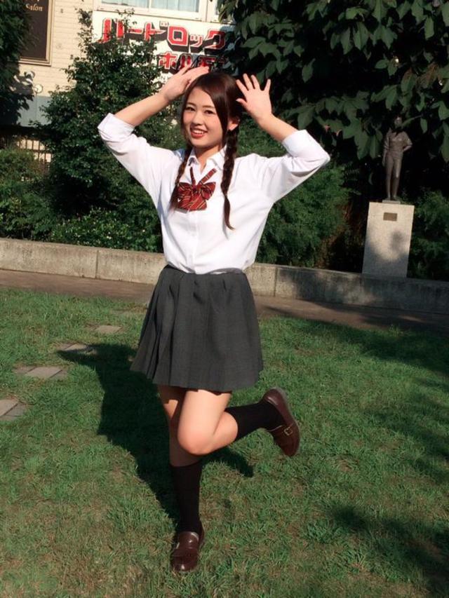 オシャレ女子高生に送る!制服と合わせるセーターの着こなし方!のサムネイル画像