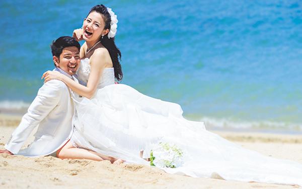 生涯1度の結婚式。誰ともかぶらないアイテムをご紹介します!のサムネイル画像