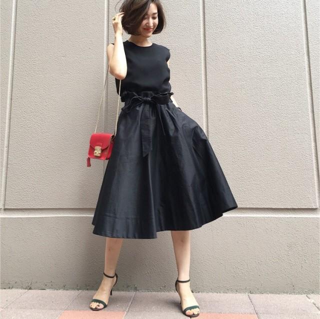 使える!黒ロングスカートでおしゃれに差がつく秋冬コーデ特集のサムネイル画像