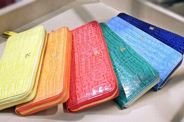 あなたの財布は何色?財布の色で金運をアップさせる方法とは?のサムネイル画像