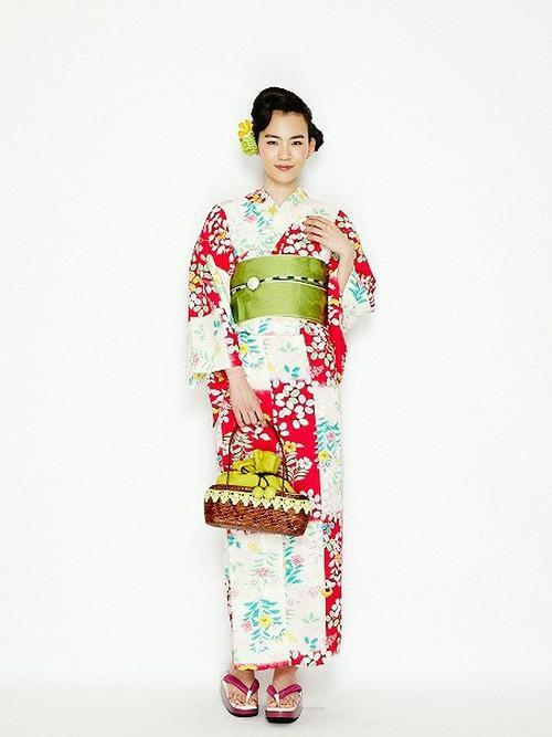 本当は簡単!自分の好きな布でパッと縫えるかわいい浴衣の縫い方!のサムネイル画像
