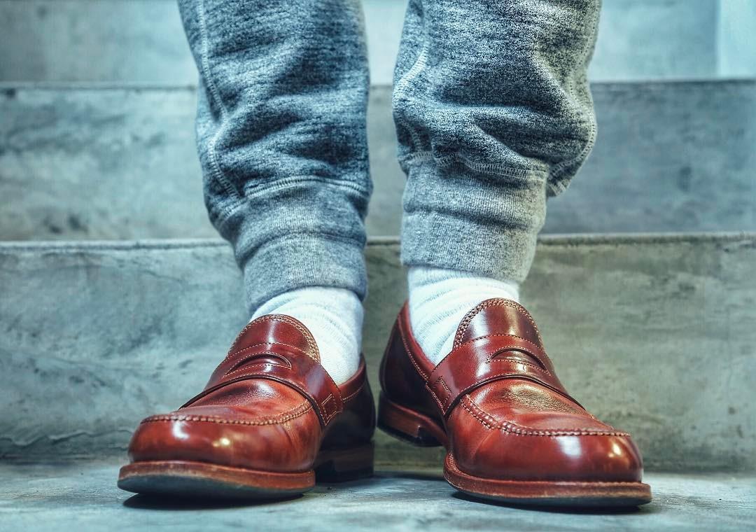 【デキる男は足元から】!!シーンに合わせた革靴の選び方!のサムネイル画像