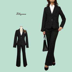 面接に着たいオススメのスーツとその選び方をご紹介します!のサムネイル画像