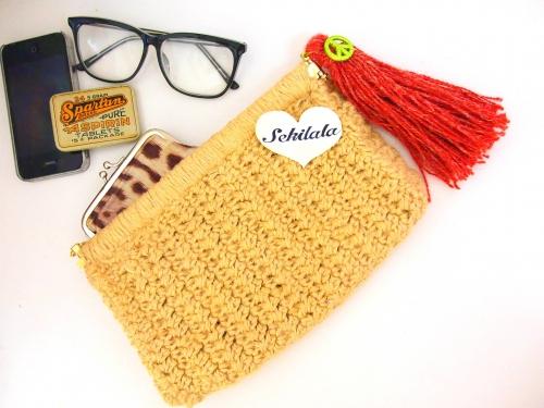 レザーだけじゃない?!ハンドメイドクラッチバッグの「編み方」のサムネイル画像