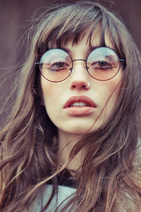 おしゃれな眼鏡女子・メガネ男子が気になる!!ポイントは眼鏡にありのサムネイル画像