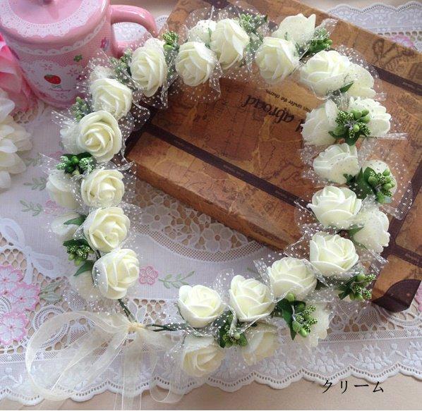 花のモチーフや花のついたカチューシャで少女のようにかわいくなろうのサムネイル画像