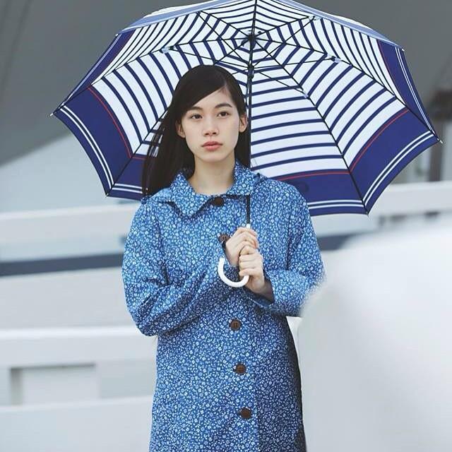 憂うつな雨の日を楽しくする【レインウェア】おすすめ20選☆のサムネイル画像