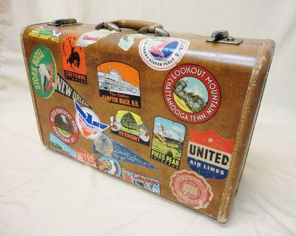 ステッカーで簡単デコ 自分色のスーツケースが激かわいい♡のサムネイル画像