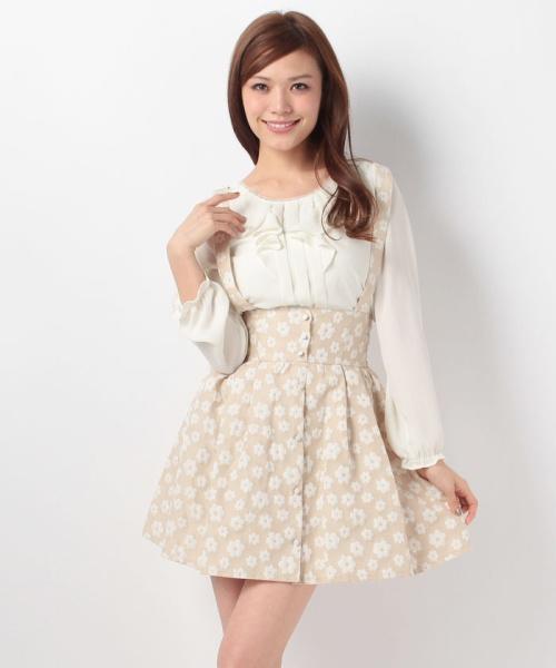 ハイウエストスカート1枚で、いつものコーデが簡単にレベルアップ!のサムネイル画像