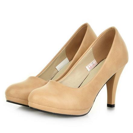 お仕事していると、長時間履くからこそこだわりたいオフィス靴!のサムネイル画像