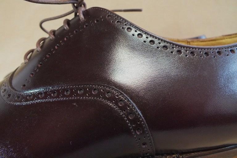 ビジネスマン、スーツと革靴は必須アイテム足元で差を付けよう。のサムネイル画像