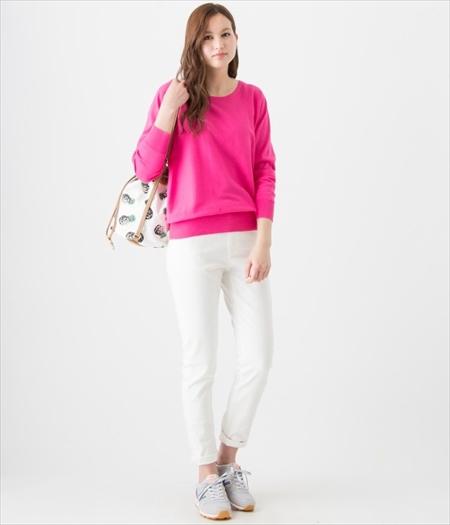 ピンクのニットが可愛さ満点♡女の子の必須アイテムはピンクのニットのサムネイル画像