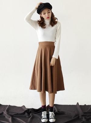 秋にぴったりなスカートを紹介♡デートにもお勧めのコーデ♡のサムネイル画像
