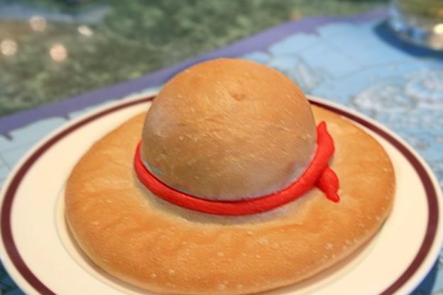 (パン×帽子)パン帽子となんだこれなパンの帽子のファッションのサムネイル画像