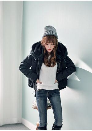 寒い冬を乗り切るダウンジャケットコーデの着こなしを見てみようのサムネイル画像