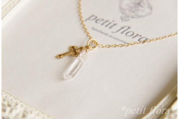 お洒落で上品な♡クロスデザインのネックレスが可愛すぎる!のサムネイル画像
