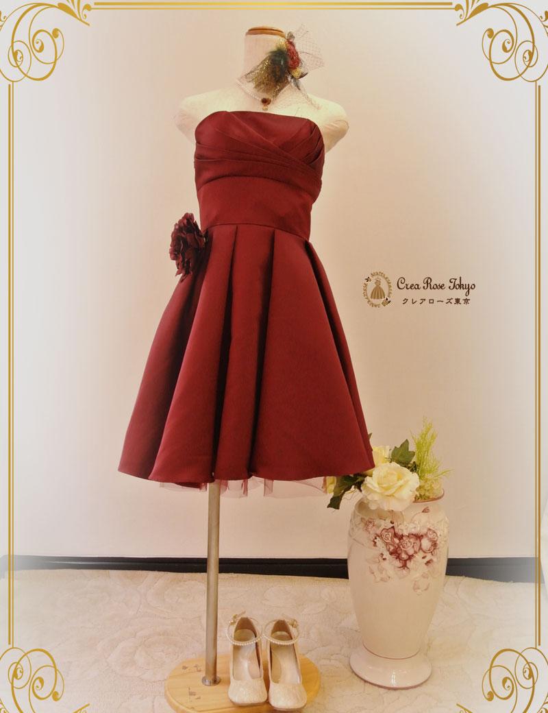ロマンティックな赤のパーティードレスで女性らしく可愛くきめよう!のサムネイル画像