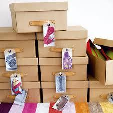 玄関にあふれた靴をスッキリ!おしゃれな棚と収納テクニックのサムネイル画像