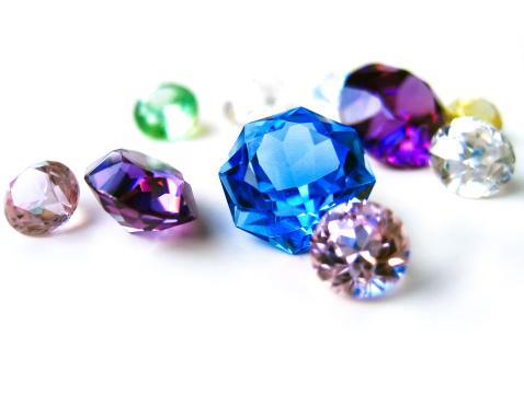 子供に命名する時のヒントに!宝石の名前や、その意味をご紹介しますのサムネイル画像