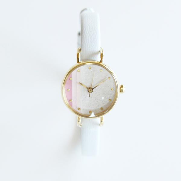 個性派なあなたに!デザインが素敵な、ハンドメイドの腕時計のサムネイル画像
