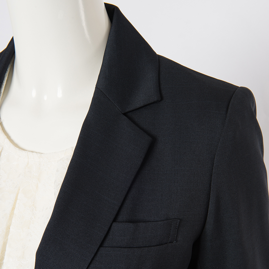 リーズナブルで大人気!しまむらのスーツを華麗に着こなそう!のサムネイル画像