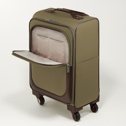 小旅行から、長期旅行まで、ステキなレディース旅行バッグ画像集のサムネイル画像