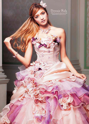 【ピンク ドレス】ふわふわのカクテルドレスからお出かけ用までのサムネイル画像