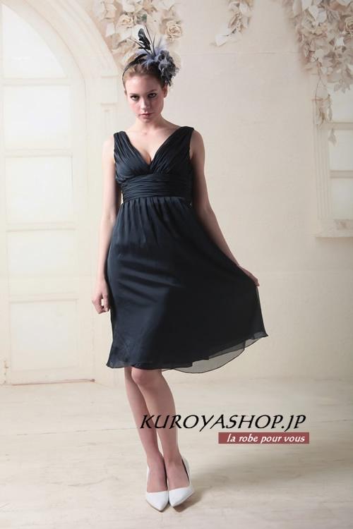 定番のドレスは黒!?結婚式におすすめのドレスをご紹介しますのサムネイル画像