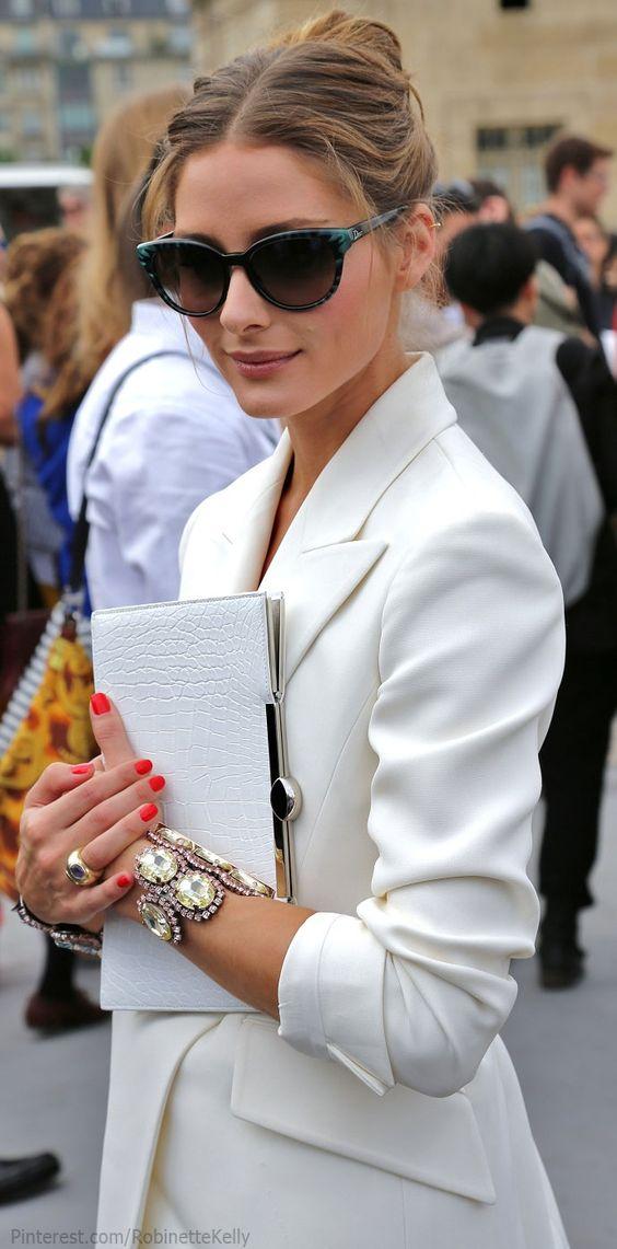 【白のジャケット】春のトレンドカラー白のジャケットコーデ!!のサムネイル画像