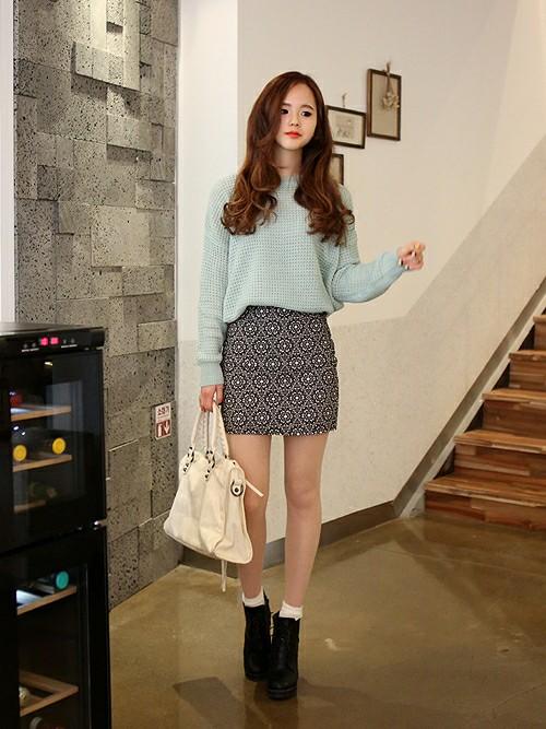 ミニのタイトスカートが可愛い♡大人女子になれるコーディネート♡のサムネイル画像