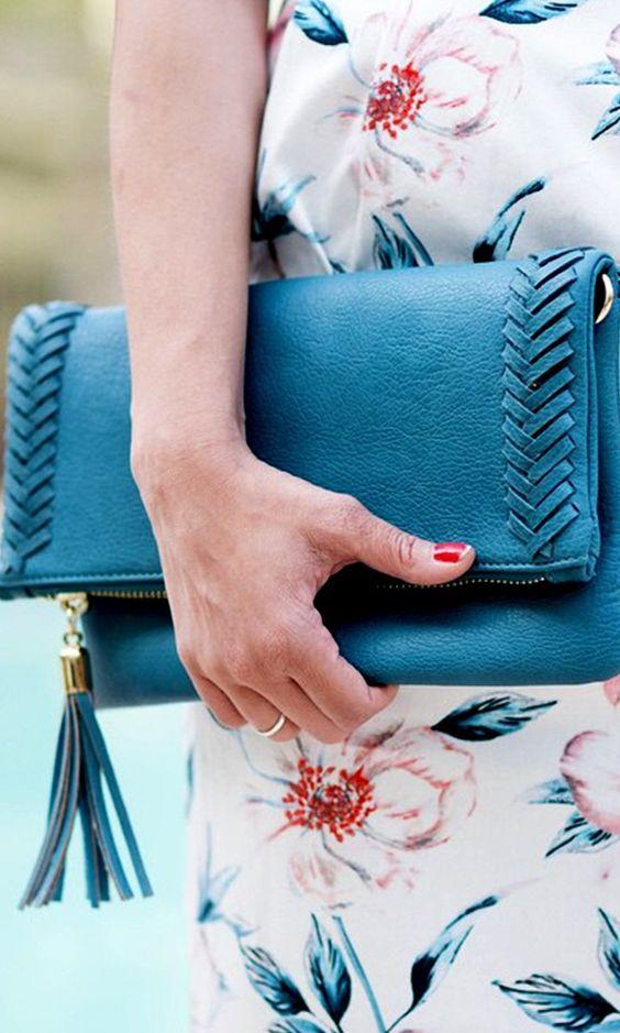 クラッチバッグをパーティーバッグとしても使いたい!人気はこちら♡のサムネイル画像