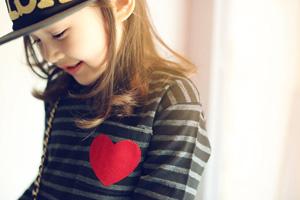 気になる!2016年のトレンドな女の子に着させたいファッション♡のサムネイル画像