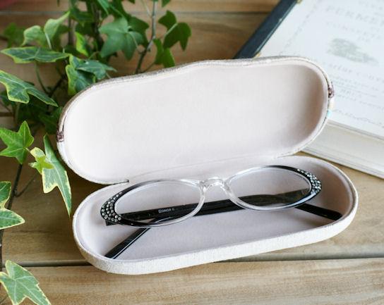 メガネケースもおしゃれに!女子力UPのメガネケースが盛りだくさん!のサムネイル画像