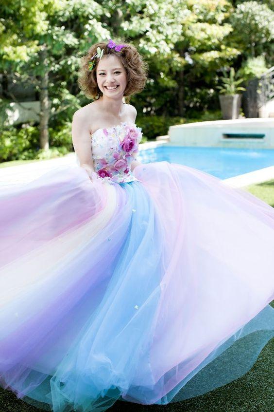 【妊婦さん必見】何を選べばいい?憧れの結婚式マタニティドレスのサムネイル画像