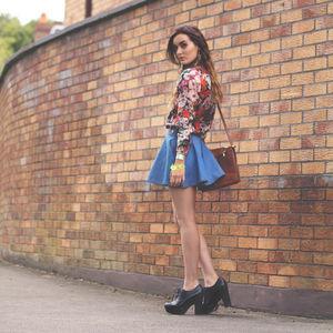 フェミニンなファッションが可愛い!デートにもおすすめですのサムネイル画像