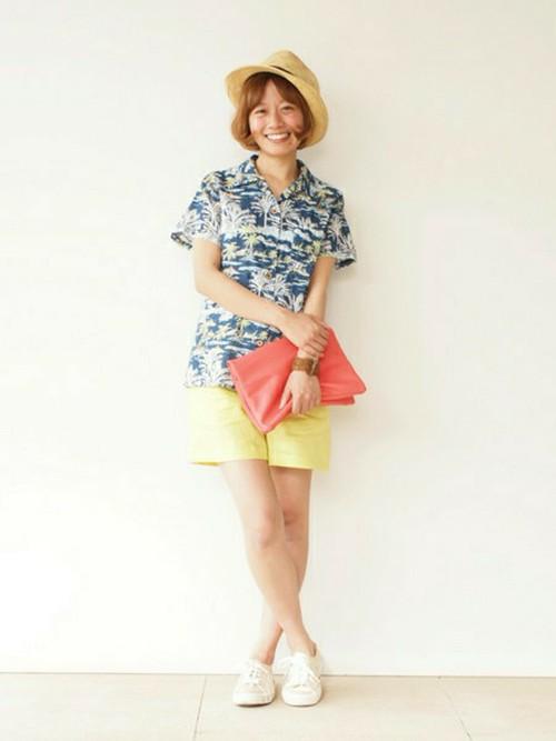 夏に着こなしたい☆おしゃれで可愛いアロハシャツの着こなしを紹介!のサムネイル画像