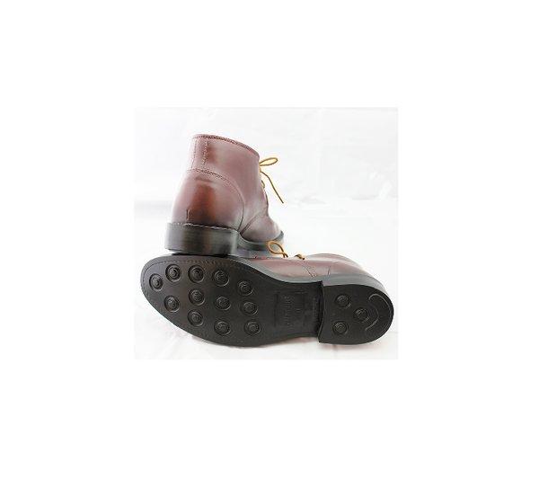 気になる革靴のシワ!自分でできる手入れの方法とプロの技をご紹介のサムネイル画像